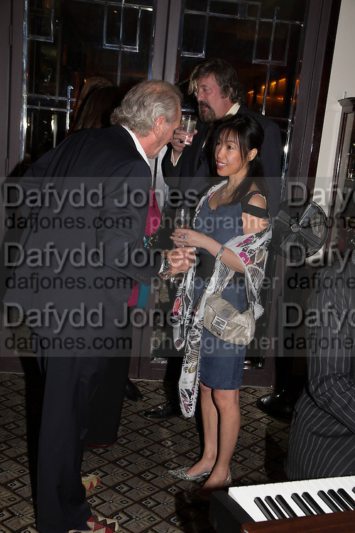 MARK SHAND; STEPHEN FRY; TIGER LI QUAN, , Dinner in aid of the China Tiger Revival hosted by Sir David Tang and Stephen Fry  at China Tang, Park Lane, London. 1 October 2013. ,