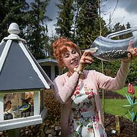 Nederland, Baarn, 29 maart 2016.<br /> Mediapersonality Marijke Helwegen thuis in haar tuin.<br /> <br /> <br /> Foto: Jean-Pierre Jans
