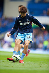 LONDON, ENGLAND - Sunday, May 3, 2015: Crystal Palace's Lee Chung-yong during the warm-up before the Premier League match against Chelsea at Stamford Bridge. (Pic by David Rawcliffe/Propaganda)