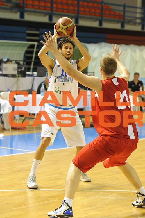 DESCRIZIONE : Cipro European Basketball Tour Italia Polonia Italy Poland<br /> GIOCATORE : Luca Vitali<br /> CATEGORIA : Passaggio<br /> SQUADRA : Nazionale Italia Uomini <br /> EVENTO : European Basketball Tour <br /> GARA : Italia Polonia <br /> DATA : 07/08/2011 <br /> SPORT : Pallacanestro <br /> AUTORE : Agenzia Ciamillo-Castoria/GiulioCiamillo<br /> Galleria : Fip Nazionali 2011 <br /> Fotonotizia :  Cipro European Basketball Tour Italia Polonia Italy Poland<br /> Predefinita :