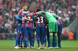 Crystal Palace players huddle - Mandatory by-line: Robbie Stephenson/JMP - 21/05/2016 - FOOTBALL - Wembley Stadium - London, England - Crystal Palace v Manchester United - The Emirates FA Cup Final