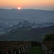 Il castello di Grinzane Cavour (CN) al tramonto.