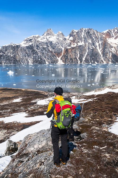 Groenland, Sermersooq, environs de Kuummiut, fjord de Angmagssalik et glacier Knud Rasmussen // Greenland, Sermersooq, region of Kuumiut, Angmagssalik  fjord and Knud Rasmussen glacier