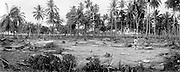 Live in Banda Aceh after the earthquake<br /> Ein Frau aus Teupin Asan, ca 8km entfernt von Teunom waescht ihr zurueckgebliebenes Hausrat in ihrem ehemaligen Badezimmer.  Sie gehoert zu den wenigen  die dem Tsunamie ueberlebt haben. Die einfachen Holzhaeuser hier wurden weggeschwemmt. .Teunom liegt an der schwerzugaenglichen Westkueste und ist zu zweidrittel voellig zerstoert.<br /> <br /> Murat Tueremis<br /> Germany<br /> +49-171-5437080.<br /> email: murattueremis@t-online.de