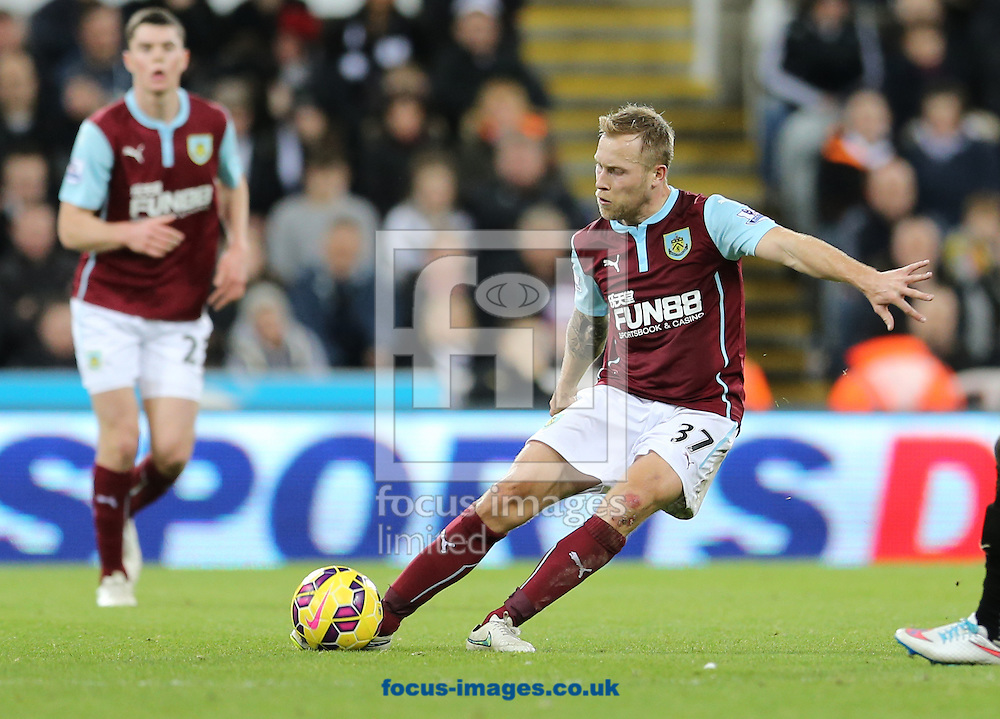 Scott Arfield of Burnley during the Barclays Premier League match at St. James's Park, Newcastle<br /> Picture by Simon Moore/Focus Images Ltd 07807 671782<br /> 01/01/2015