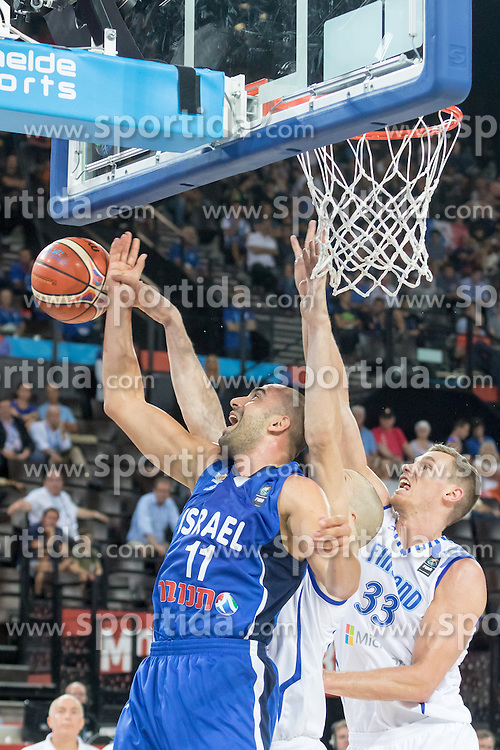 06.09.2015, Park Suites Arena, Montpellier, FRA, Finnland vs Israel, Gruppe A, im Bild ELISHAY KADIR (11), ERIK JAY MURPHY (33) // during the FIBA Eurobasket 2015, group A match between Finland and Israel at the Park Suites Arena in Montpellier, France on 2015/09/06. EXPA Pictures &copy; 2015, PhotoCredit: EXPA/ Newspix/ Pawel Pietranik<br /> <br /> *****ATTENTION - for AUT, SLO, CRO, SRB, BIH, MAZ, TUR, SUI, SWE only*****