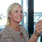 NLD/Amsterdam/20110324 - Boekpresentatie Chimaera van Xenia Kasper, Irene Moors maakt tevens foto's