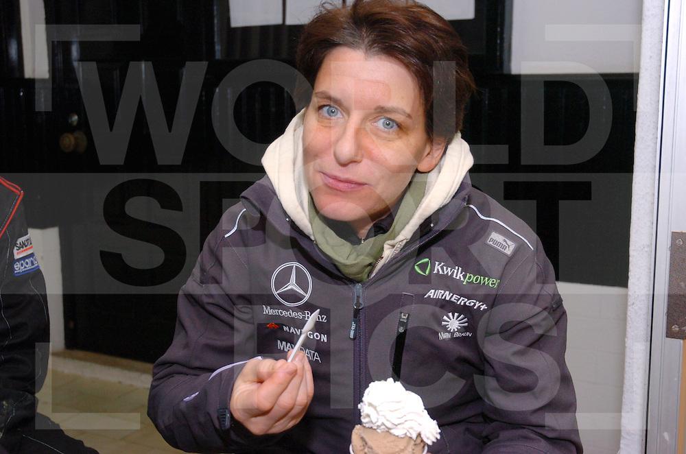 RALLY LISSABON-DAKAR 2006:..Ellen Luhr..Fotografie Frank Uijlenbroek © 2006 Frank Uijlenbroek