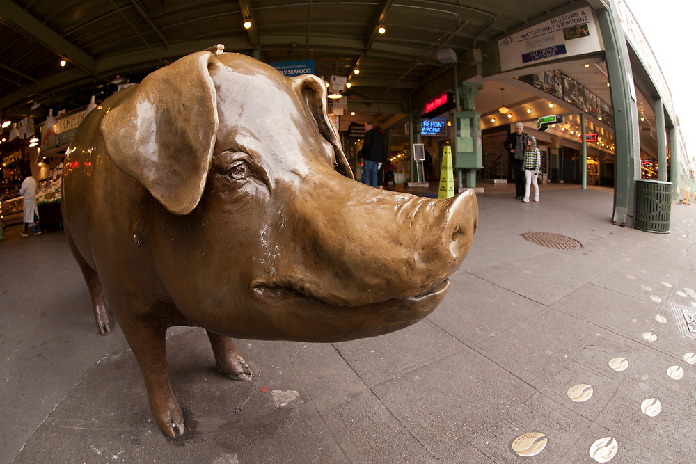 United States, Washington, Seattle. Pike Place Market, Rachel the Pig sculpture