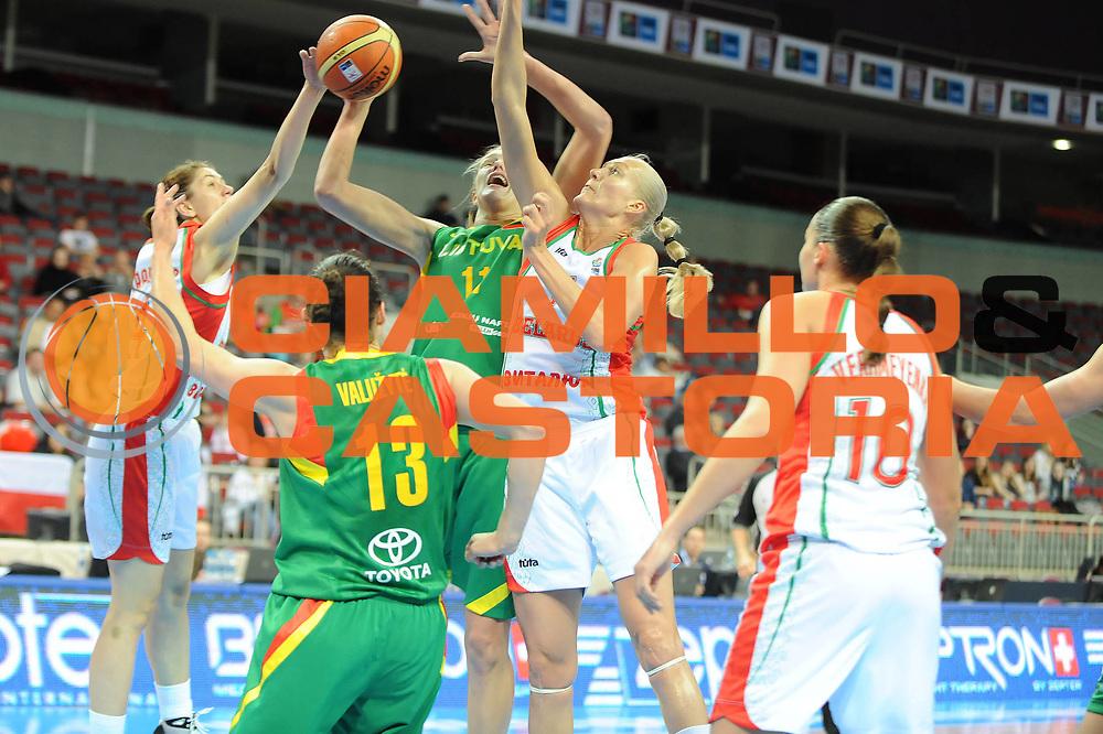 DESCRIZIONE : Riga Latvia Lettonia Eurobasket Women 2009 Qualifying Round Bielorussia Lituania Belarus Lithuania<br /> GIOCATORE : Gintare Petronyte<br /> SQUADRA : Lituania Lithuania<br /> EVENTO : Eurobasket Women 2009 Campionati Europei Donne 2009 <br /> GARA : Bielorussia Lituania Belarus Lithuania<br /> DATA : 14/06/2009 <br /> CATEGORIA : super tiro<br /> SPORT : Pallacanestro <br /> AUTORE : Agenzia Ciamillo-Castoria/M.Marchi<br /> Galleria : Eurobasket Women 2009 <br /> Fotonotizia : Riga Latvia Lettonia Eurobasket Women 2009 Qualifying Round Bielorussia Lituania Belarus Lithuania<br /> Predefinita :