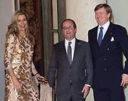Staatsbezoek aan Frankrijk dag 1 - Staatsbanket op het Palais de l'Elysée<br /> <br /> State Visit to France Day 1 - State Banquet at the Palais de l'Elysée<br /> <br /> Op de foto / On the photo:  Koning Willem-Alexander, President Hollande en koningin Maxima