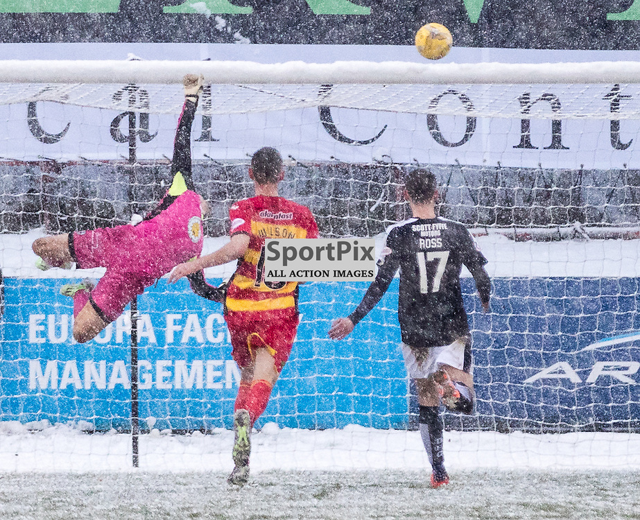 Dundee's Gary Harkins finds the net during the Partick Thistle FC V Dundee FC Scottish Premiership game, 16th January 2016; (c) BERNIE CLARK | SportPix.org.uk