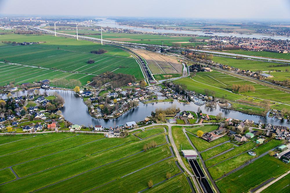 Nederland, Zuid-Holland, Hardinxveld-Giessendam, 01-04-2016; Polder Binnentiendwegs. Betuweroute, tunnel onder riviertje de Giessen. <br /> Betuweroute freight railway with tunnel, east of Rotterdam.<br /> luchtfoto (toeslag op standard tarieven);<br /> aerial photo (additional fee required);<br /> copyright foto/photo Siebe Swart