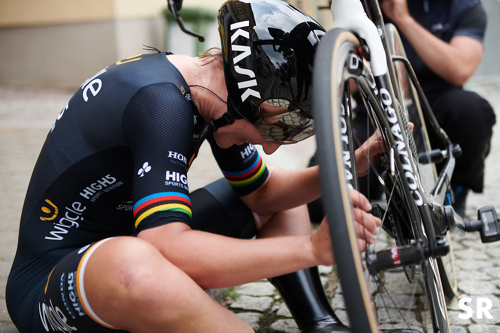 Lisa Brennauer (GER) finds a kerb to recover after Lotto Thuringen Ladies Tour 2018 - Stage 7, an 18.7 km time trial starting and finishing in Schmölln, Germany on June 3, 2018. Photo by Sean Robinson/velofocus.com