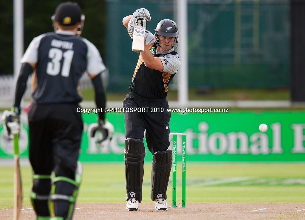 James Franklin bats during New Zealand Black Caps v Pakistan, Match 2. Twenty 20 Cricket match at Seddon Park, Hamilton, New Zealand. Tuesday 28 December 2010. . Photo: Stephen Barker/PHOTOSPORT