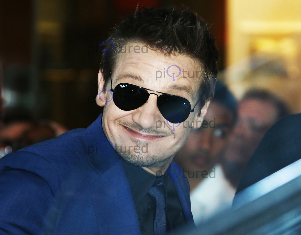 Jeremy Renner, The Avengers: Age of Ultron - European Film Premiere, Westfield Shopping Centre, London UK, 21 April 2015, Photo by Richard Goldschmidt