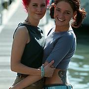 Bianca Plune en vriendin Jill in Rotterdam