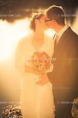 Wedding couple on their wedding day / Hochzeitspaar an seinem Hochzeitstag