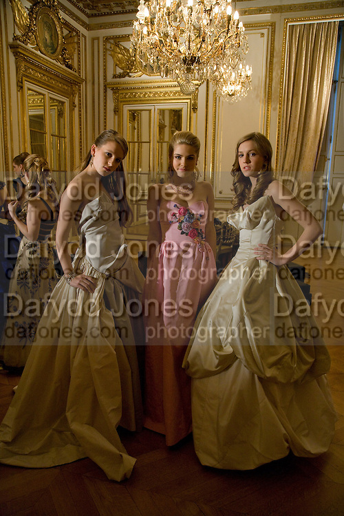 ANNA HESKETH; HON PHILLIPA CADOGAN; VIOLET HESKETH, The 2008 Crillon Debutante Ball. Getting Ready the Day before. Crillon Hotel. Paris. 29 November 2008. *** Local Caption *** -DO NOT ARCHIVE-© Copyright Photograph by Dafydd Jones. 248 Clapham Rd. London SW9 0PZ. Tel 0207 820 0771. www.dafjones.com.