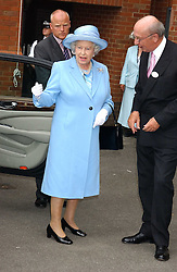 HM The QUEEN ELIZABETH 11 and the 12th DUKE OF DEVONSHIRE at the King George VI and The Queen Elizabeth Diamond Stakes sponsored by De Beers held at Newbury Racecourse, Berkshie on 23rd July 2005.<br /><br />NON EXCLUSIVE - WORLD RIGHTS