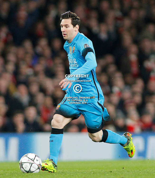 LONDON, ENGLAND - FEBRUARY 23: Lionel Messi of Barcelona runs with the ball during the Champions League match between Arsenal and Barcelona at The Emirates Stadium on February 23, 2016 in London, United Kingdom. (Photo by Mitchell Gunn/ESPA-Images)