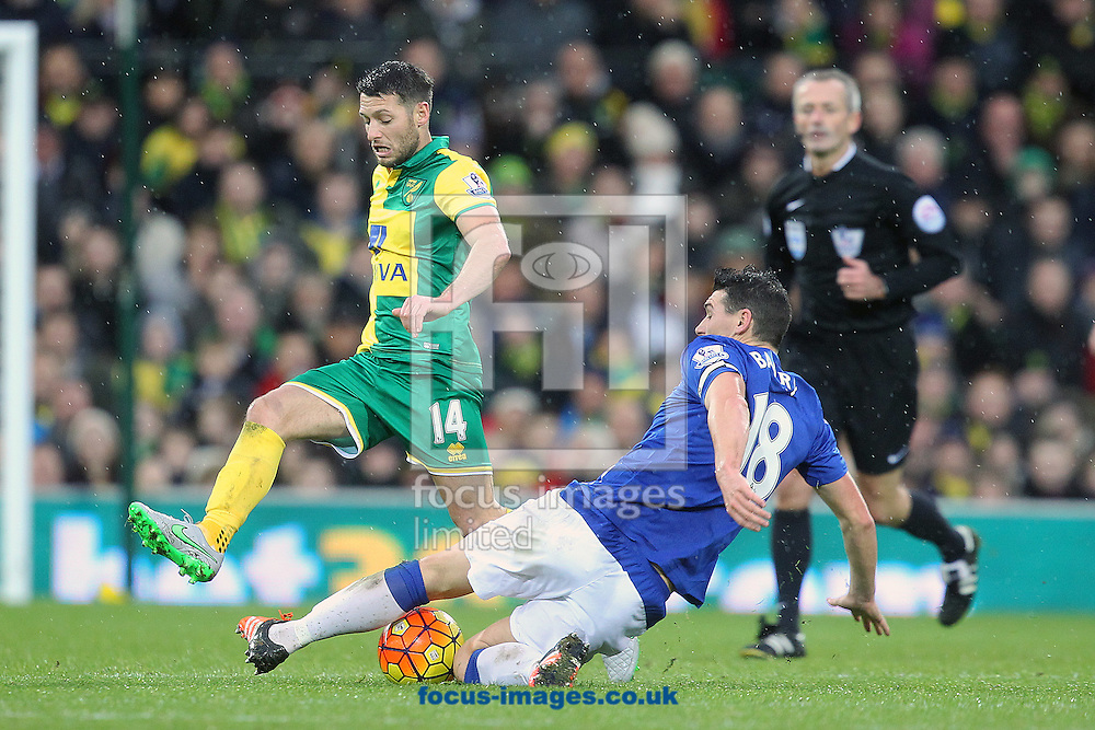 Wes Hoolahan of Norwich and Gareth Barry of Everton in action during the Barclays Premier League match at Carrow Road, Norwich<br /> Picture by Paul Chesterton/Focus Images Ltd +44 7904 640267<br /> 12/12/2015