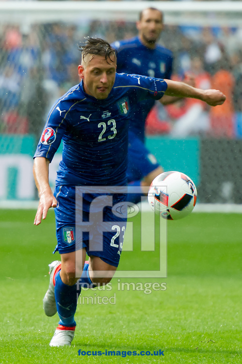 Emanuele Giaccherini of Italy in action during the UEFA Euro 2016 match at Stade de France, Paris<br /> Picture by Anthony Stanley/Focus Images Ltd 07833 396363<br /> 27/06/2016
