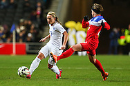 Jordan Nobbs of England Women (left) and Meghan Klingenberg of USA Women (right) during the International Friendly match at stadium:mk, Milton Keynes<br /> Picture by David Horn/Focus Images Ltd +44 7545 970036<br /> 13/02/2015