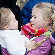 NLD/Harderwijk/20100320 - Opening nieuwe Dolfinarium seizoen met nieuwe show, Robert Schoemacher's dochters  Livia en Andjélica
