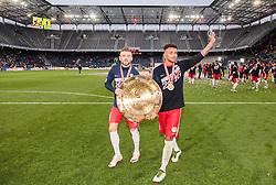 15.05.2016, Red Bull Arena, Salzburg, AUT, 1. FBL, Meisterfeier FC Red Bull Salzburg, im Bild Valon Berisha (Red Bull Salzburg) und Valentino Lazaro (Red Bull Salzburg) feiern mit dem Meisterteller // Valon Berisha (Red Bull Salzburg) and Valentino Lazaro (Red Bull Salzburg) celebrate with the Trophy during the FC Red Bull Salzburg Champions Party of Austrian Football Bundesliga at the Red Bull Arena, Salzburg, Austria on 2016/05/15. EXPA Pictures © 2016, PhotoCredit: EXPA/ JFK