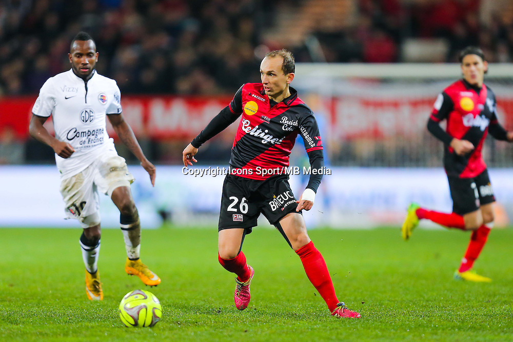 Thibault GIRESSE  - 03.12.2014 - Guingamp / Caen - 16eme journee de Ligue 1 <br /> Photo : Vincent Michel / Icon Sport