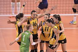 09-04-2016 ITA: CEV DenizBank Champions League Fenerbahce Grundig Istanbul - VakıfBank Istanbul, Montichiari<br /> Vakifbank wint met 3-0 en plaatst zich voor de finale / Lonneke Sloetjes, Anne Buijs<br /> <br /> ***NETHERLANDS ONLY***