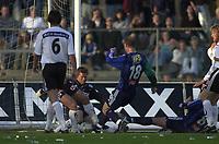 Bærum 21042003 Eliteserien i fotball Stabæk - Odd. Stabæks Thomas Finstad dribler Odds Alexander Aas rett før 2-1 målet.<br /> <br /> Foto: Andreas Fadum, Digitalsport