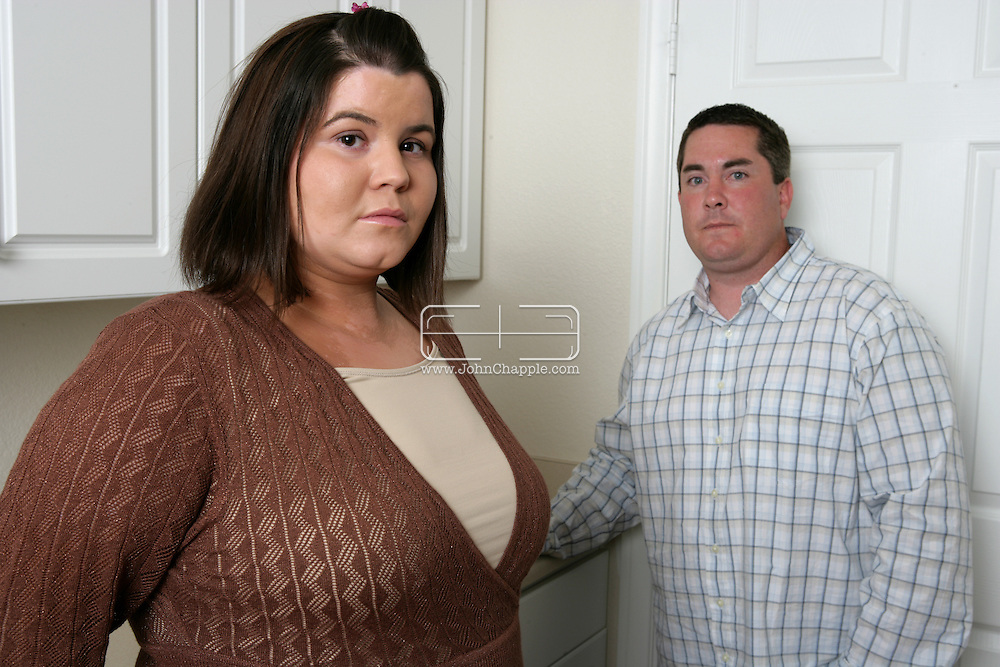 23rd August 2007. San Marcos, California. Identity theft bride and groom, Denise and Kevin Reilly. The New Yorkers had their wedding day ruined in 2004 when they applied for a wedding certificate and were denied. The couple discovered that Denise was the victim of identity fraud and somebody else had married using her name and social security number. They were finally awarded their marriage certificate three years after their wedding day. .PHOTO © JOHN CHAPPLE / REBEL IMAGES.tel 310 570 9100.john@chapple.biz     www.chapple.biz