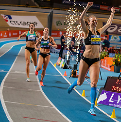 Suzanne Voorrips wins the 400 meters and Sanne Wolters-Verstegen comes in second during the Dutch Indoor Athletics Championship on February 23, 2020 in Omnisport De Voorwaarts, Apeldoorn