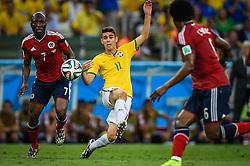 Oscar Emboaba na partida entre Brasil x Colombia, válida pelas quartas de final da Copa do Mundo 2014, no Estádio Castelão, em Fortaleza-CE. FOTO: Jefferson Bernardes/ Agência Preview
