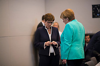 DEU, Deutschland, Germany, Berlin, 24.07.2019: Bundeskanzlerin Dr. Angela Merkel (CDU) und CDU-Chefin und Bundesverteidigungsministerin Annegret Kramp-Karrenbauer vor Beginn der Fraktionssitzung der CDU/CSU.