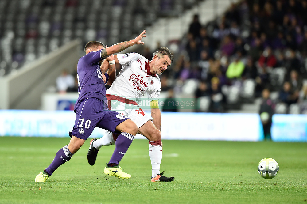 September 15, 2017 - Toulouse, France - Andy Delort (tfc) vs Jeremy Toulalan gir) (Credit Image: © Panoramic via ZUMA Press)