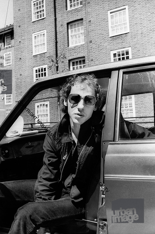 Dire Straits Mark Knopfler at Wood Wharf studios 1981