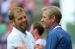 09.08.2015, Stadion Essen, Essen, GER, DFB Pokal, Rot Weiss Essen vs Fortuna Duesseldorf, 1. Runde, im Bild v.l. Cheftrainer Frank Kramer (Duesseldorf) und Andreas Winkler (Essen) begruessen sich lachend // during German DFB Pokal first round match between Rot Weiss Essen and Fortuna Duesseldorf at the Stadion Essen in Essen, Germany on 2015/08/09. EXPA Pictures © 2015, PhotoCredit: EXPA/ Eibner-Pressefoto/ Hommes<br /> <br /> *****ATTENTION - OUT of GER*****
