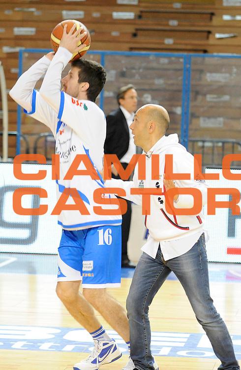 DESCRIZIONE : Cremona Lega A 2012-13 Vanoli Cremona Banco di Sardegna Sassari<br /> GIOCATORE : Presidente Stefano Sardara<br /> SQUADRA : Banco di Sardegna Sassari<br /> EVENTO : Campionato Lega A 2012-2013<br /> GARA :  Vanoli Cremona Banco di Sardegna Sassari<br /> DATA : 24/03/2013<br /> CATEGORIA : Riscaldamento<br /> SPORT : Pallacanestro<br /> AUTORE : Agenzia Ciamillo-Castoria/A.Giberti<br /> Galleria : Lega Basket A 2012-2013<br /> Fotonotizia : Cremona Lega A 2012-13 Vanoli Cremona Banco di Sardegna Sassari<br /> Predefinita :