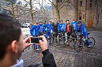 Nederland, Den Haag, 21 maart 2017 -  Mark Rutte op het Binnenhof na afloop van zijn  gesprek met verkenner Edith Schippers.<br /> Foto; Phil Nijhuis