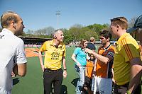 AMSTELVEEN -    Tos door Roel van Eert.    Beslissende finalewedstrijd om het Nederlands kampioenschap hockey tussen de mannen van Amsterdam en Oranje Zwart (2-3). COPYRIGHT KOEN SUYK