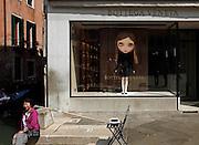 venice, boutique shopwindow