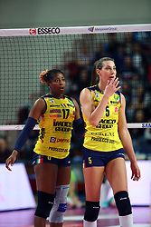 26-01-2019 ITA: Igor Gorgonzola Novara - Pomi Casalmaggiore, Novara<br /> Palavolo Campionato Italiano Volley A1<br /> Robin de Kruijf #5 of Casalmaggiore, Miriam Sylla #17 of Casalmaggiore<br /> <br /> *** Netherlands use only ***