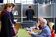 Nederland, Nijmegen, 19-3-2014Verkiezingen voor de gemeenteraad, gemeenteraadsverkiezingen. In Nijmegen kan op het station van de NS gestemd worden.The Netherlands, elections. Foto: Flip Franssen/Hollandse Hoogte
