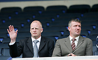 Photo: Steve Bond.<br />Leicester City v Derby County. Coca Cola Championship. 06/04/2007. Iain Dowie (L) & Tim Flowers (R) at Leicester