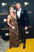 Nederlandse galapremiere van de Disney-klassieker Lion King in Pathe Tuschinski, Amsterdam.<br /> <br /> Op de foto:  Laura Ponticorvo met partner