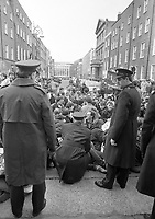 An Anti-Health Cuts Picket outside Leinster House as Finance Minister Ray MacSharry discloses the Budget plans for1988, 27/01/1988 (Part of the Independent Newspapers Ireland/NLI Collection).