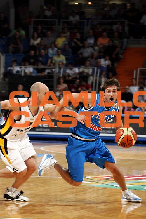 DESCRIZIONE : Vrsac Eurobasket Men 2005 Italia-Germania<br /> GIOCATORE : Pozzecco<br /> SQUADRA : Italia Italy<br /> EVENTO : Eurobasket Men 2005 Campionati Europei Uomini 2005<br /> GARA : Italia Germania Italy Germany<br /> DATA : 16/09/2005<br /> CATEGORIA :<br /> SPORT : Pallacanestro<br /> AUTORE : Ciamillo&amp;Castoria/Fiba Europe Pool